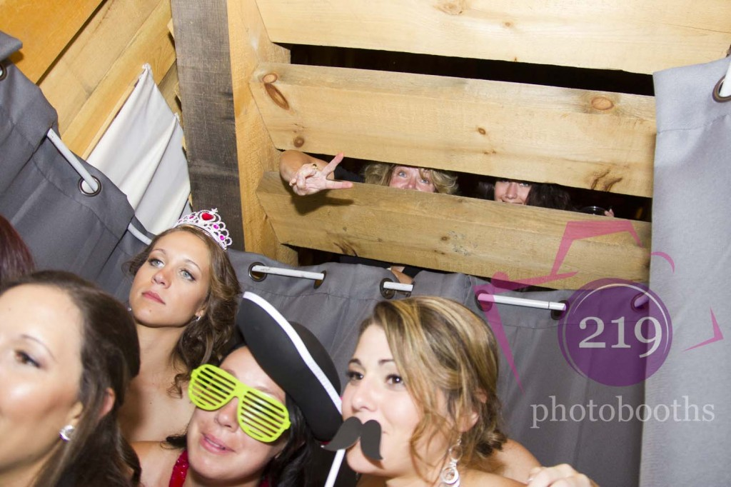 Photo Booth County Line Orchard