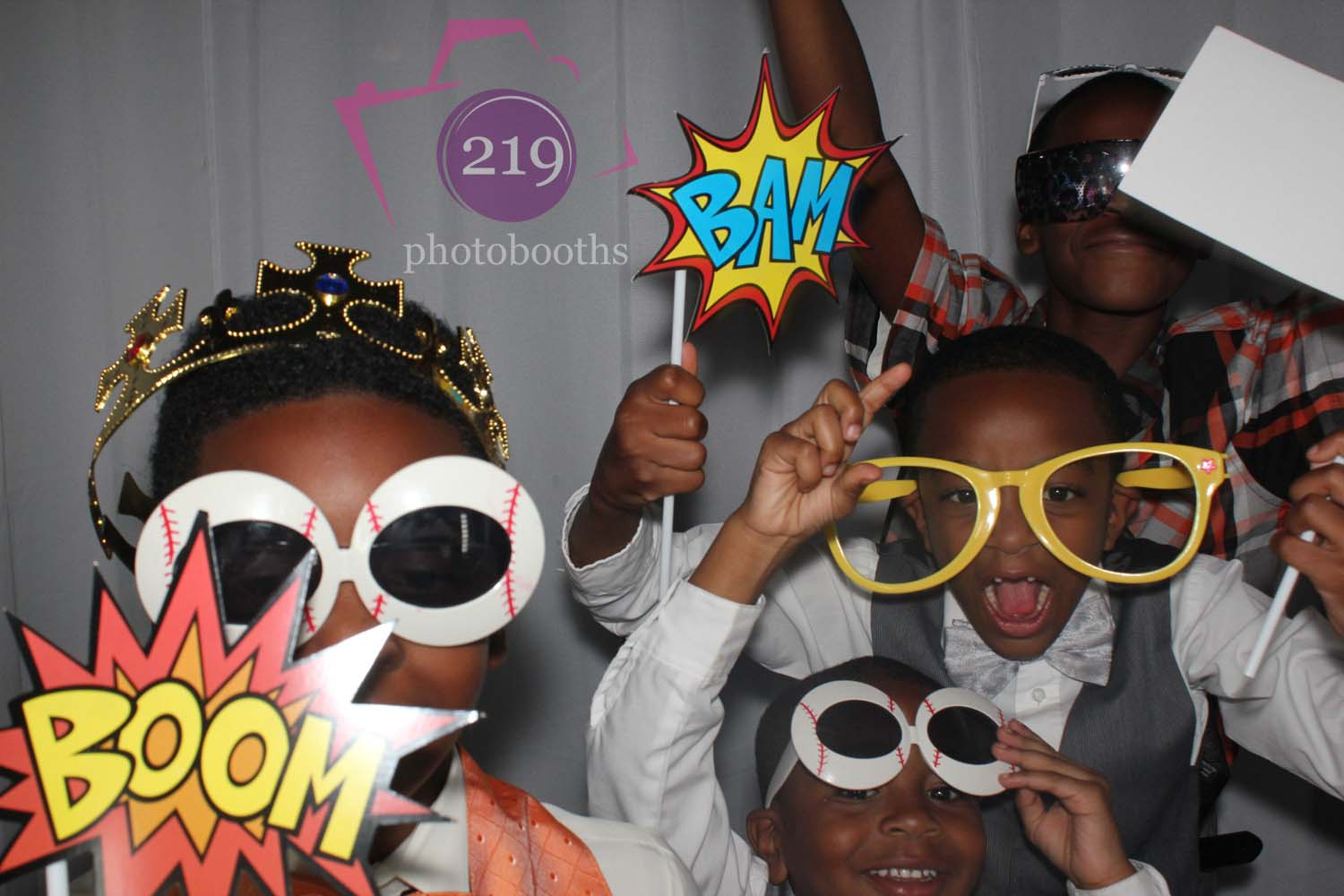 Avalon Manor Photo Booth Kids